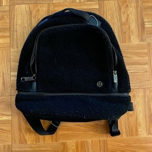 Lululmon sherpa backpack
